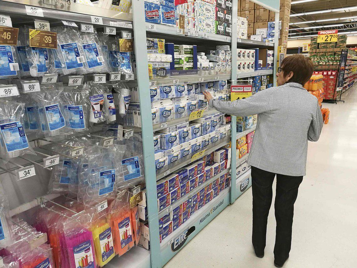 Por la devaluación el consumo cayó un 12%