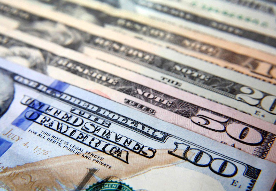El dólar sigue estable: cerró a $57 en el Banco Nación