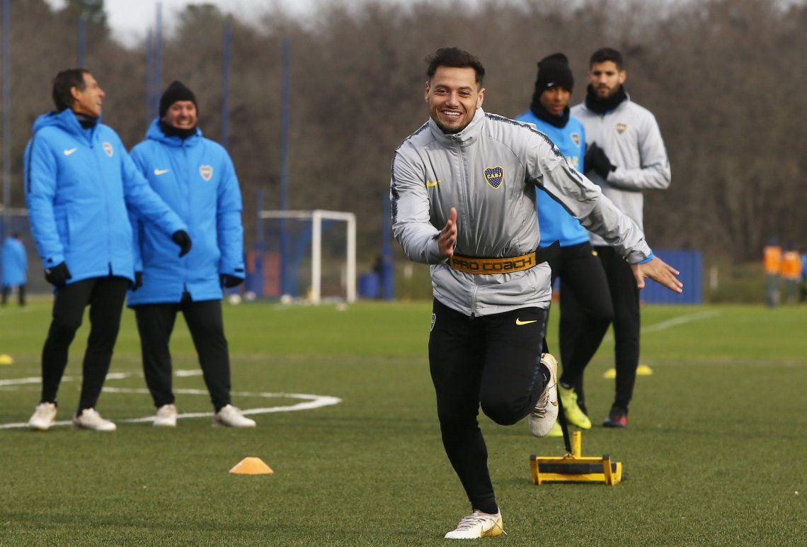 Mauro Zárate se entrenó a la par del plantel y en Boca se ilusionan con su regreso