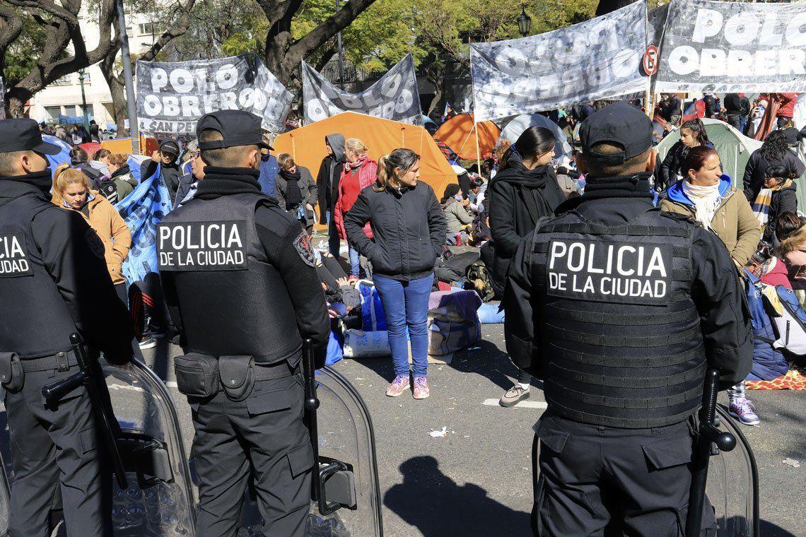 Polo Obrero acampa en la 9 de Julio durante 48 horas por aumentos en las asignaciones familiares
