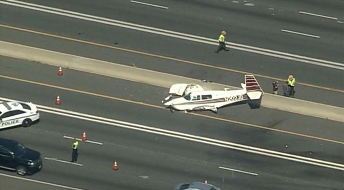 Avioneta chocó contra un auto durante un aterrizaje de emergencia