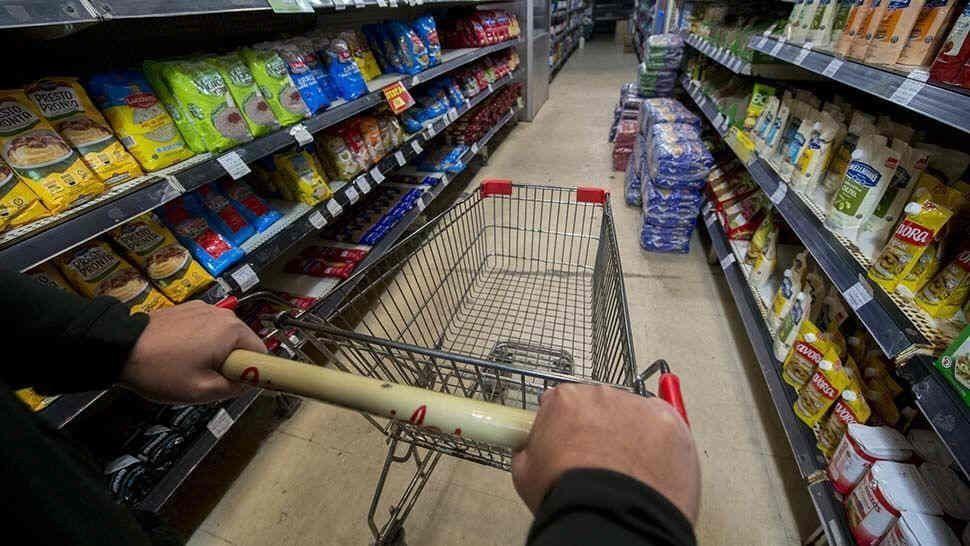 Por incertidumbre pre electoral, remarcan el precio de los alimentos hasta un 20%