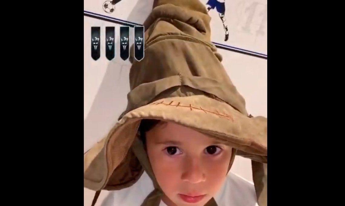 Mateo Messi no contuvo el llanto después que el sombrero seleccionador lo enviara a la Casa Slytherin