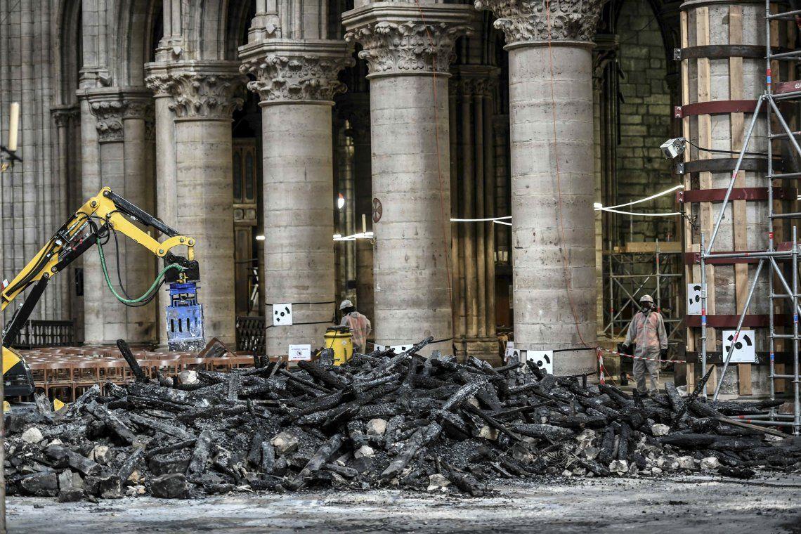 Notre Dame: aseguran que la catedral todavía está en peligro