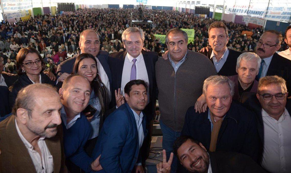 Legisladores denuncian que Juan Manzur gastó $20 millones para agasajar a Alberto Fernández en Tucumán