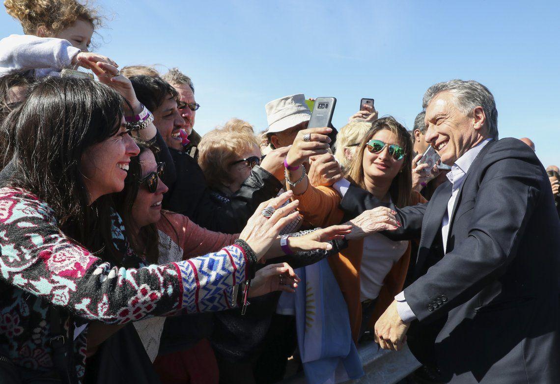 El presidente Mauricio Macri recorrió las obras en la Ruta 8