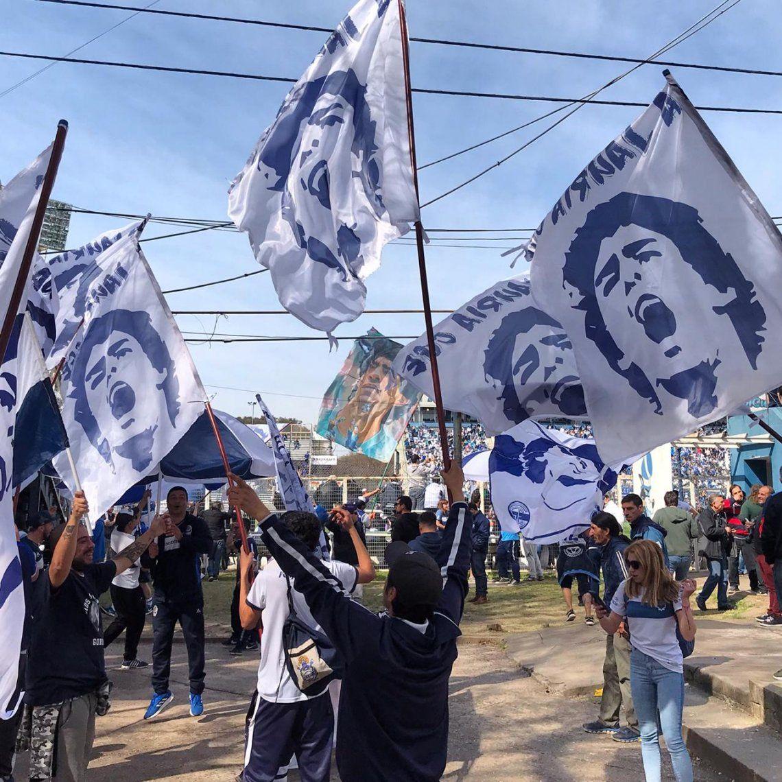 Galería de fotos: el debut de Diego en Gimnasia en la lente de Popular