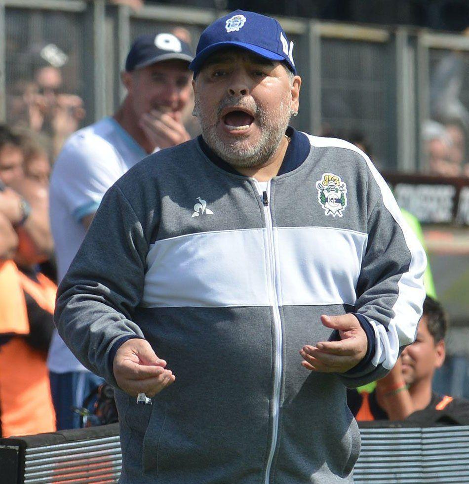 Diego Maradona se sumó a la polémica del River-Boca: No fue penal, los del VAR nunca jugaron al fútbol
