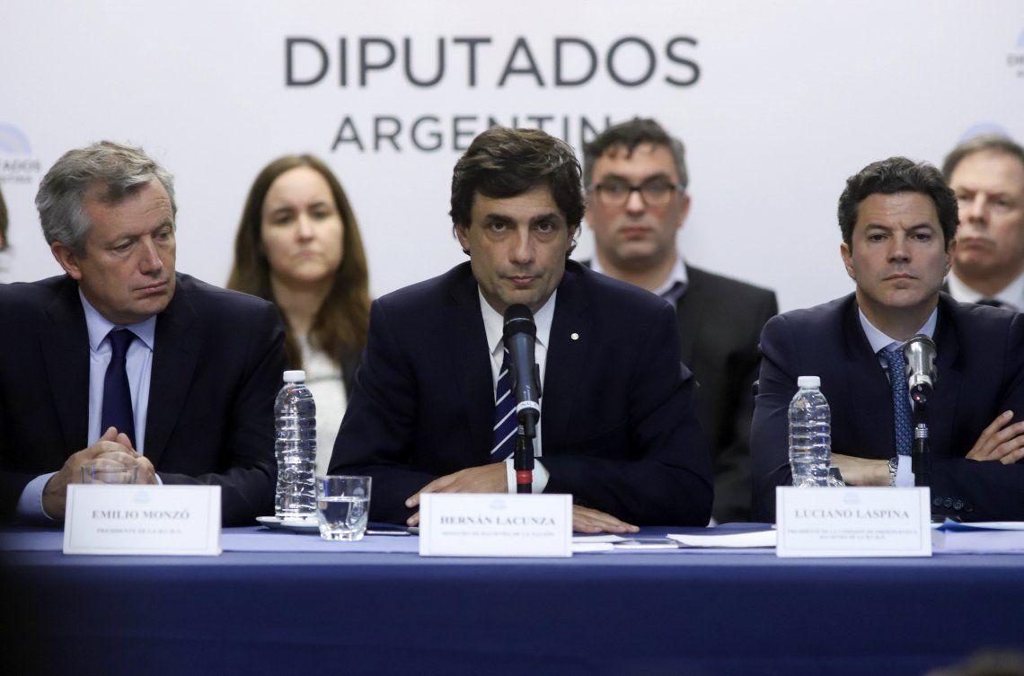 Lacunza presentó en Diputados el proyecto del Presupuesto 2020 que prevé un dólar a $67