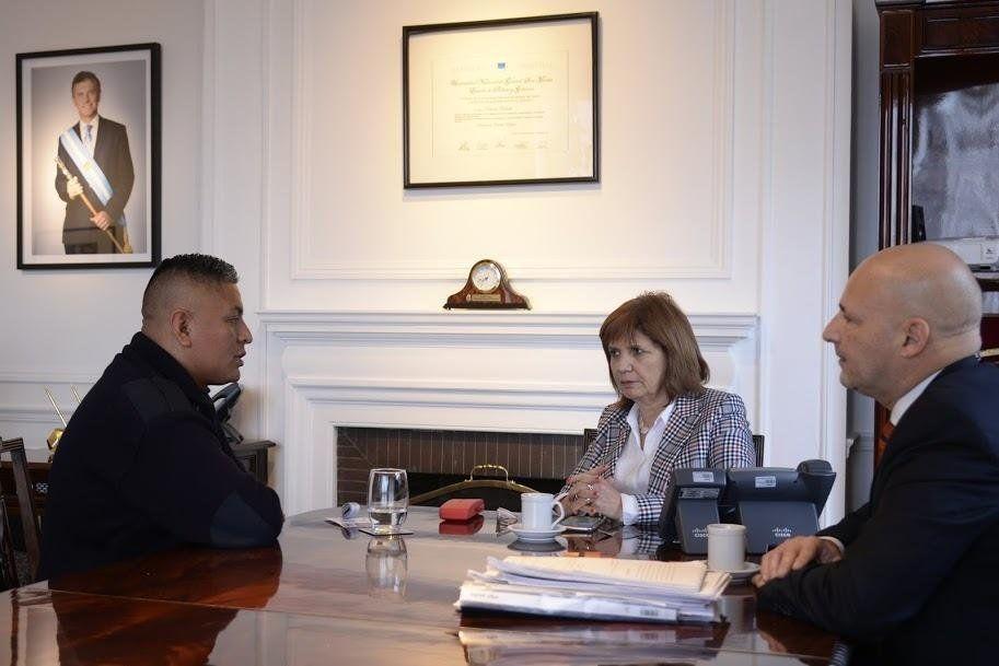 Patricia Bullrich recibió al policía Luis Chocobar
