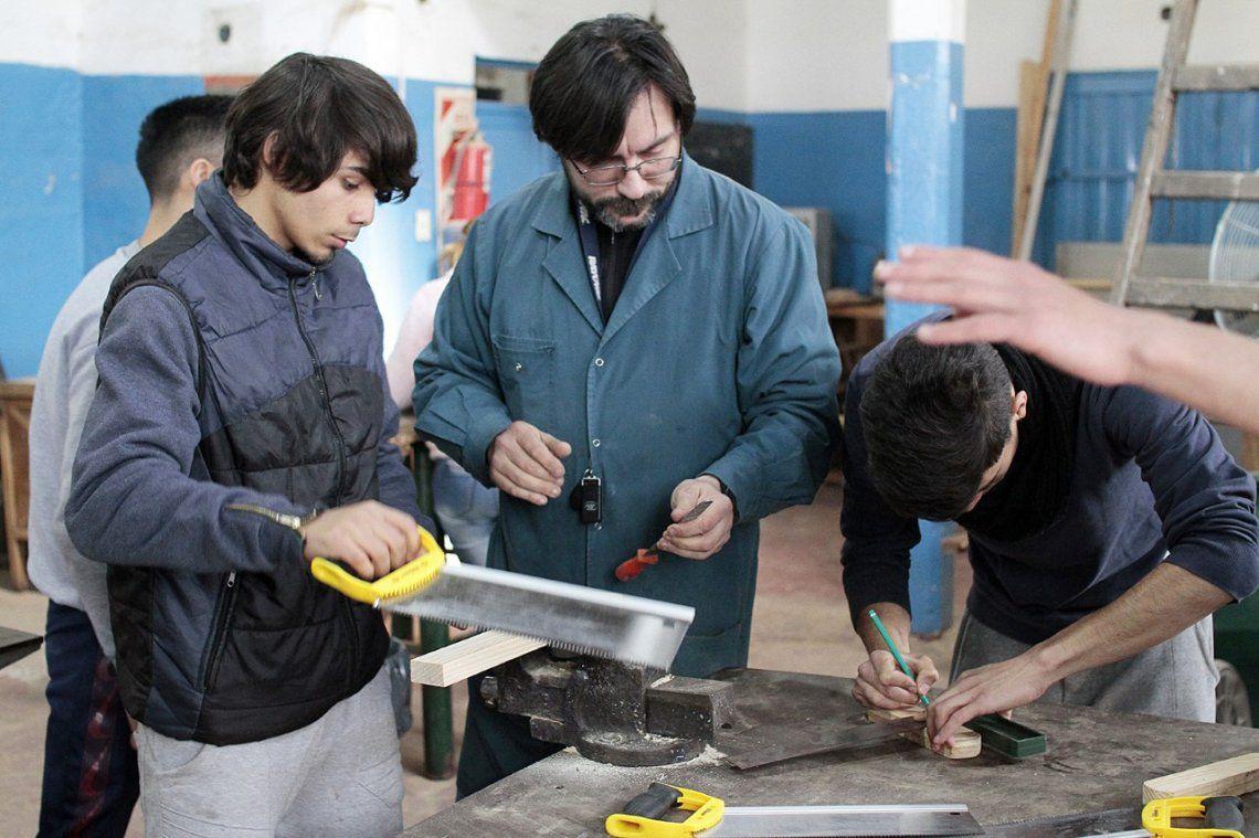 Una vez por semana asisten al Centro de Formación para el Trabajo de Rafael Calzada.
