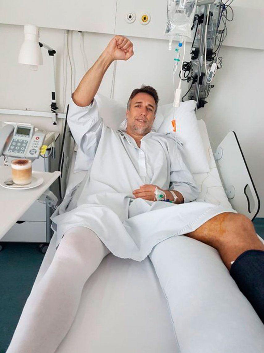 Batistuta fue operado en Suiza: le implantaron una prótesis en tobillo izquierdo