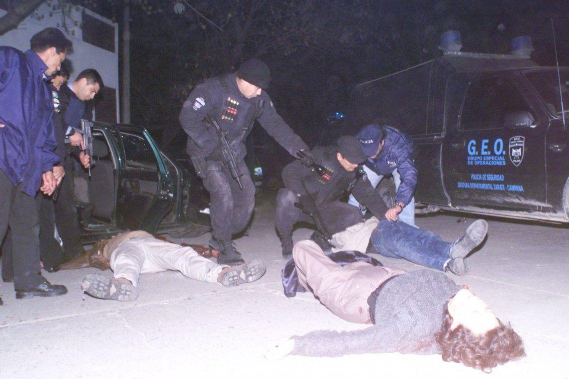 Masacre de Ramallo: la historia de las fotos de Diario Popular que retrataron la violencia y el poder descontrolado de la policía Bonaerense