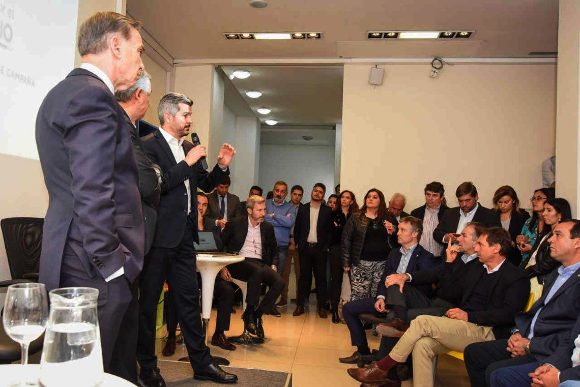 El jefe de Gabinete y Miguel Pichetto expusieron lineamientos de trabajo de cara a la campaña definitiva.