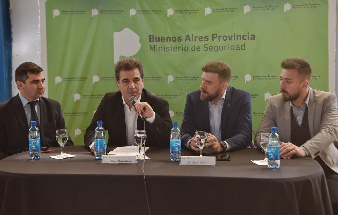 Berazategui: Ritondo participó de una jornada de capacitación sobre grooming para cadetes de la Policía