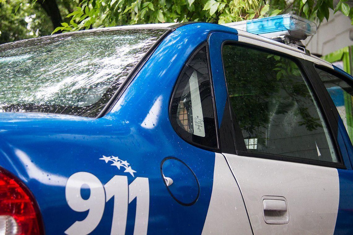 Rosario: una mujer tiró a la calle una nota de auxilio y fue rescatada cuando era violada por su ex