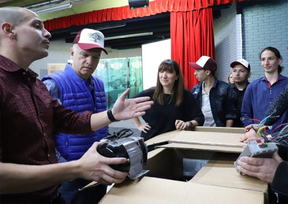 Lanús: arman cuatro autos eléctricos para el Desafío Eco YPF