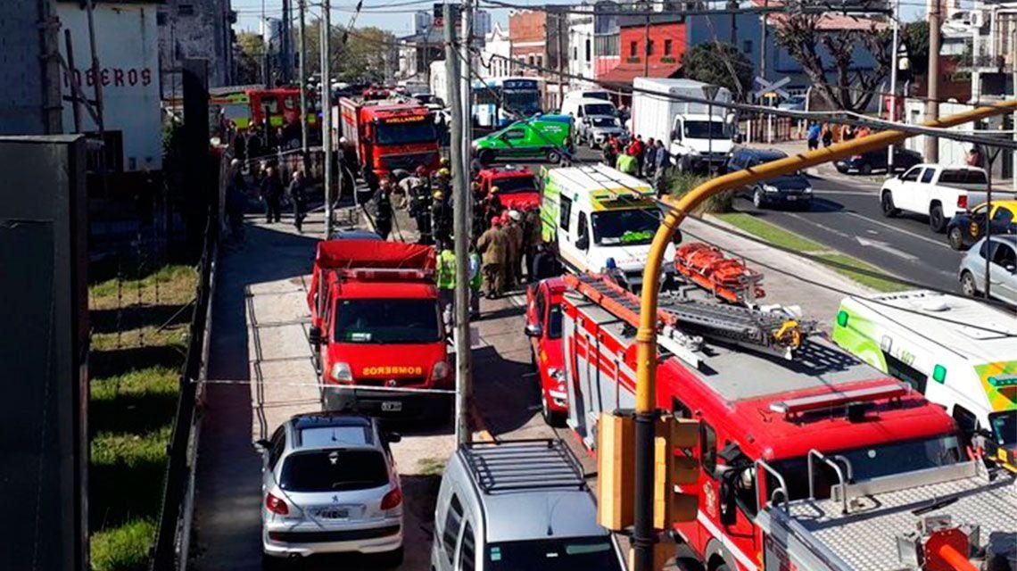 Avellaneda: se cayó una losa en el nuevo cuartel de Bomberos y hay un herido