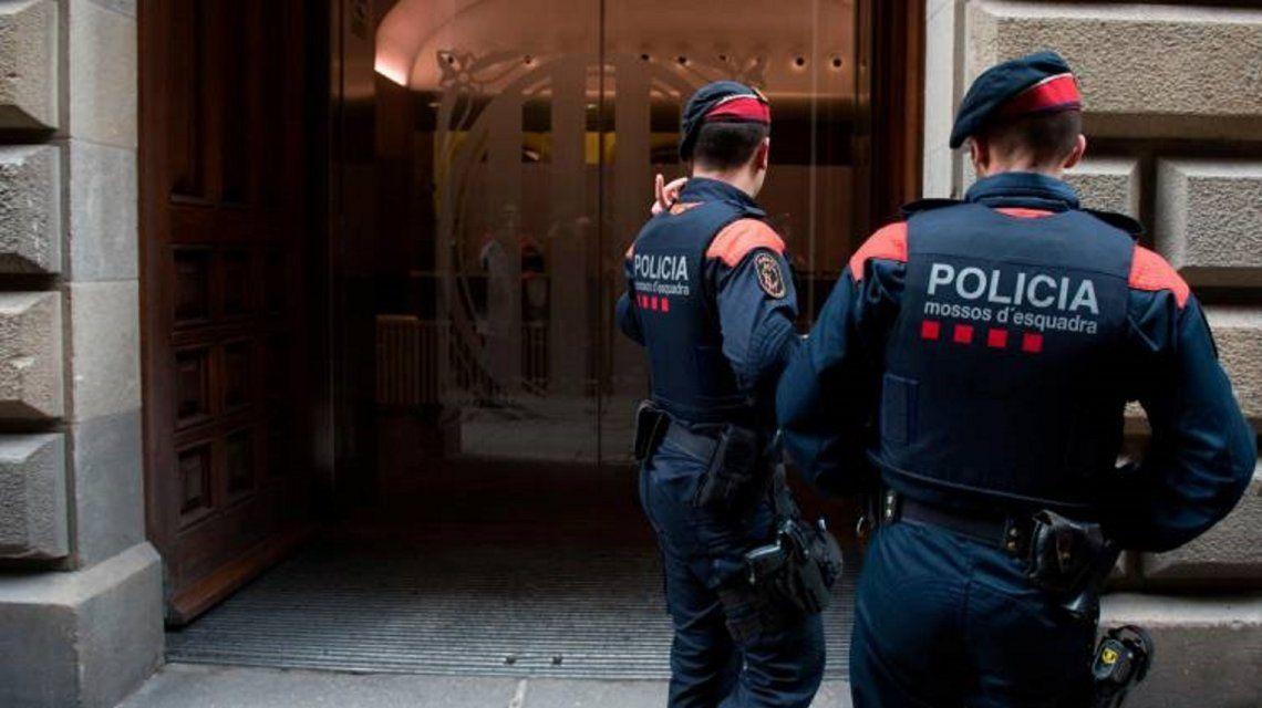 España: detienen a argentino que dejó morir a su mujer y la filmó mientras agonizaba