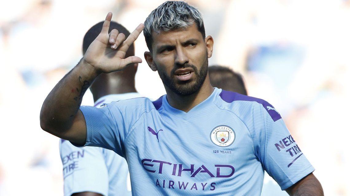 Con goles de Agüero y Otamendi, el Manchester City goleó 8-0 a Watford