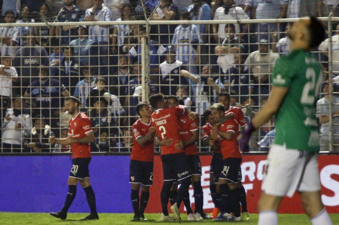 La inspiración de Figal y nada más: Independiente venció a Atlético Tucumán y Beccacece respiró