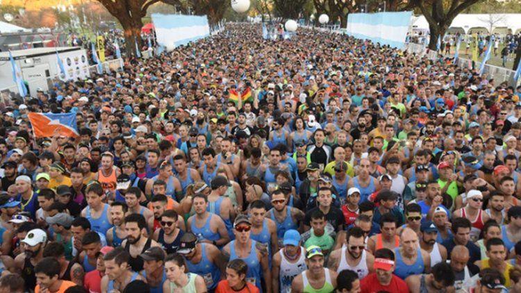 Maratón de Buenos Aires: más de 10 mil personas y ganador récord