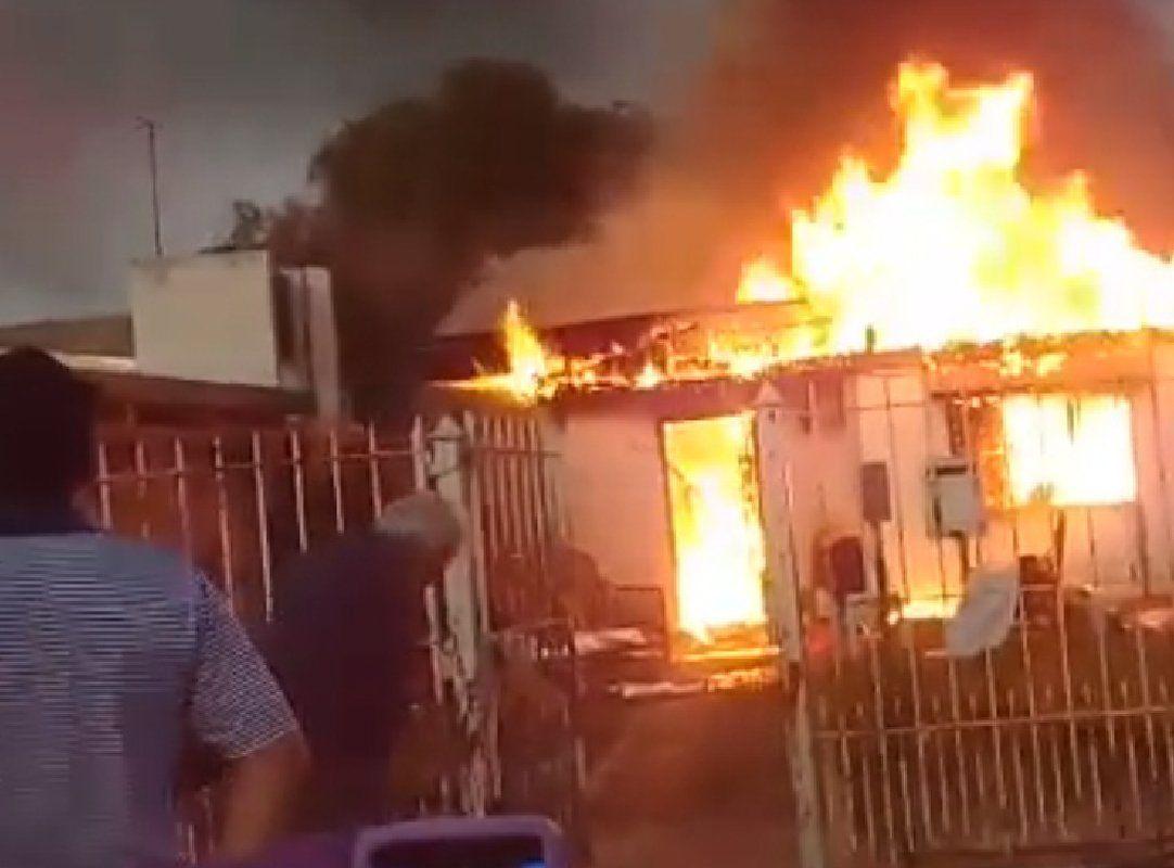 Lomas de Zamora: campaña para una pareja de ancianos que perdió todo en un incendio