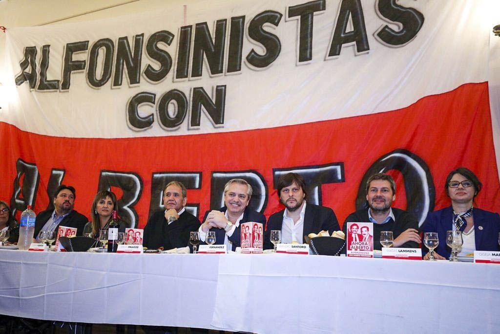 Alberto Fernández con radicales: Yo también soy el resultado de Alfonsín