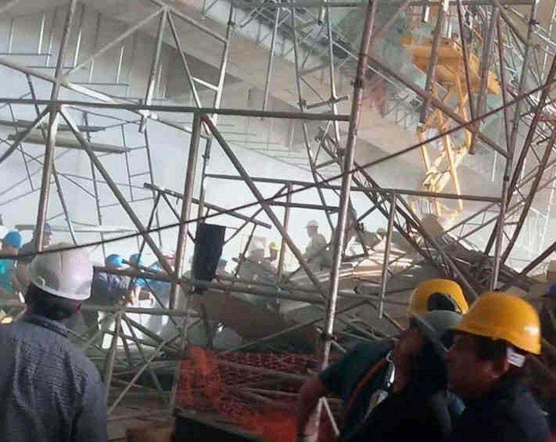Derrumbe en Ezeiza: el único operario que permanece internado se encuentra en grave estado