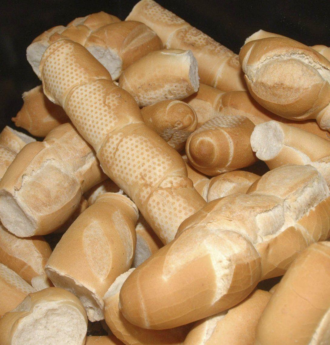 La consecuencia del aumento del pan fue la reducción del consumo.