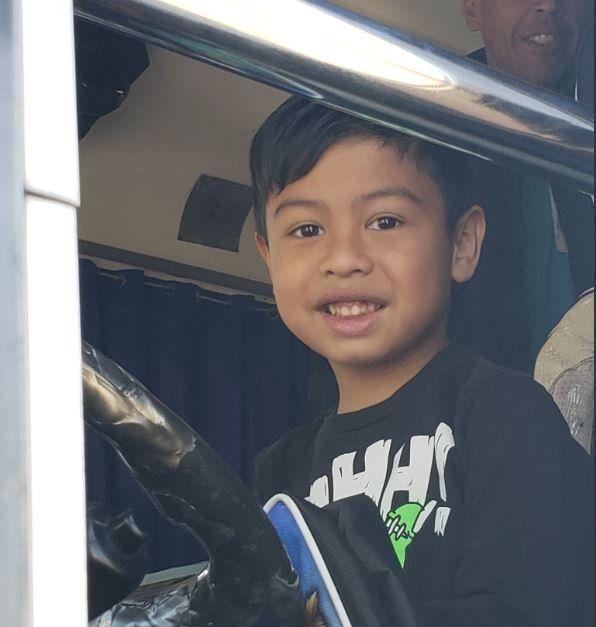La historia de Julián, el nene fanático del colectivo 247 que recibió la sorpresa de su vida