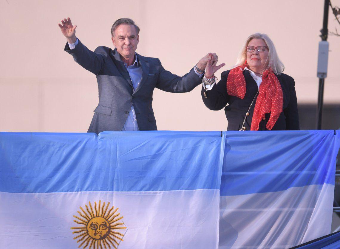 El senador Pichetto y la diputada Carrió fueron los encargados de hablar antes del presidente Macri.