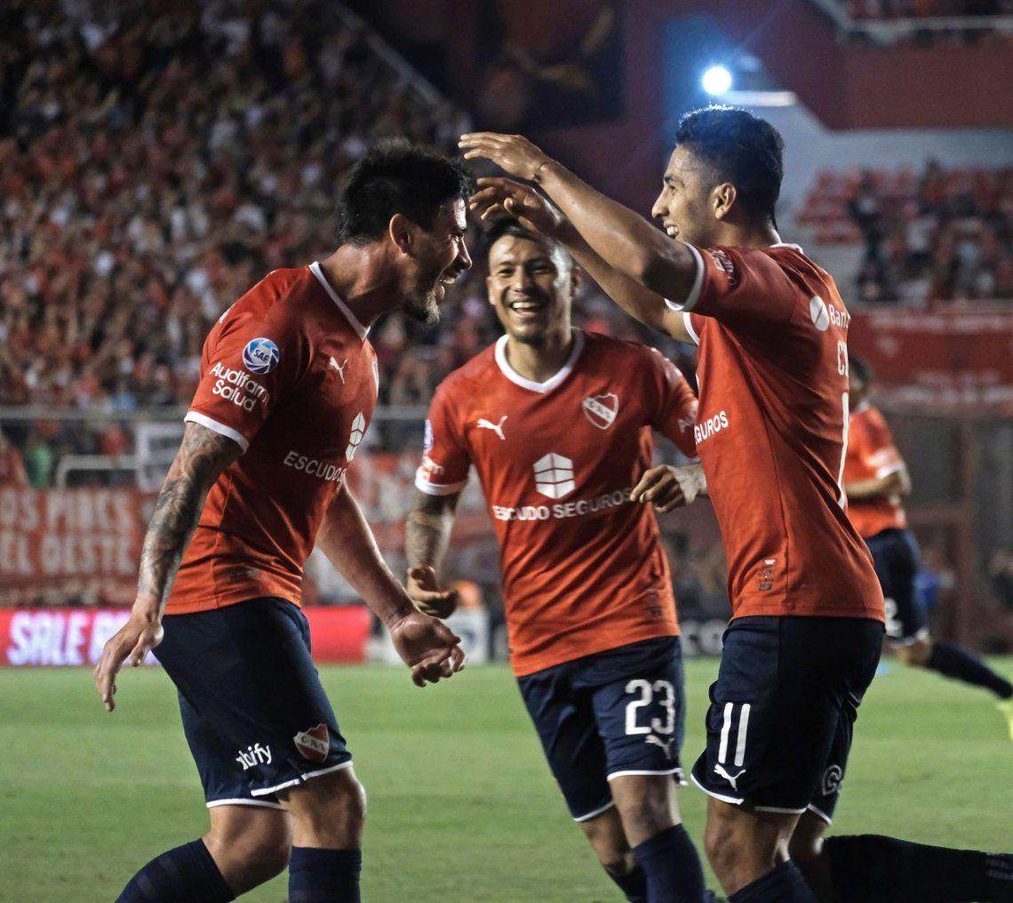 Independiente venció a Talleres en el final de un partido que tuvo de todo