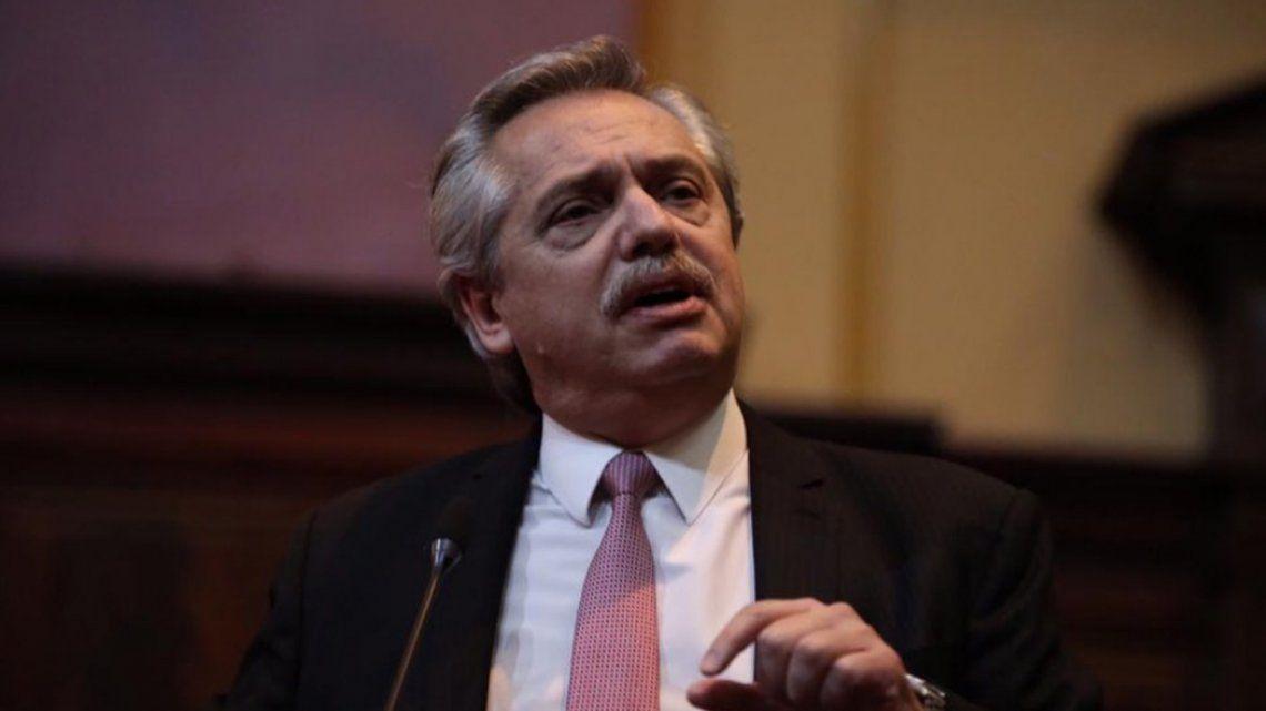 Alberto Fernández lloró en el homenaje al ex procurador Esteban Righi
