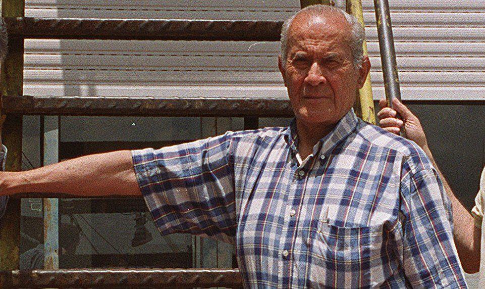 Lisandro Granada en una de sus visitas como fomentista en Avellaneda.