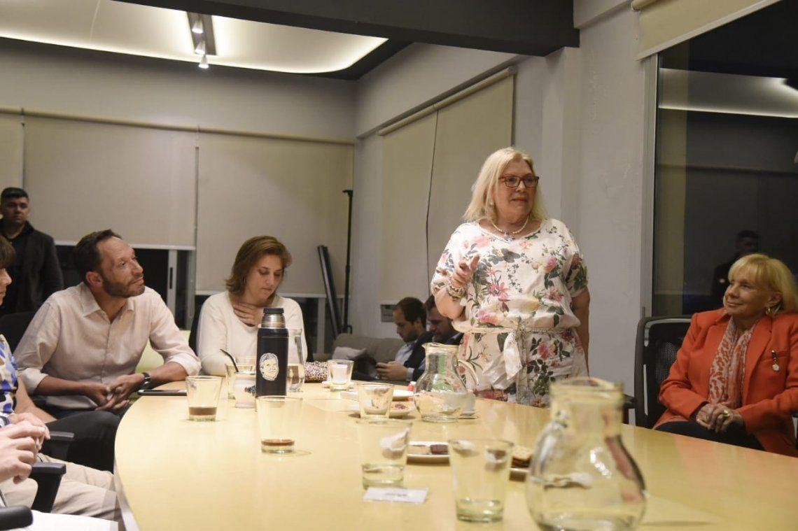 Elisa Carrió: Tres jueces del PJ atacan a Mauricio Macri veinte días antes de las elecciones