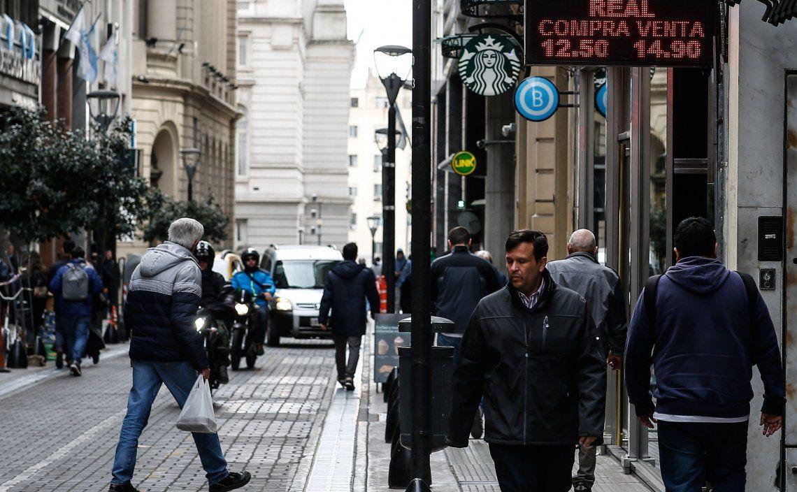 Ayer hubo una importante participación del Central y el precio del dólar registró un moderado avance.
