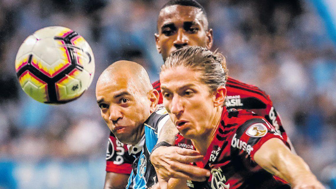 Flamengo no lo pudo liquidar y Gremio quedó con vida