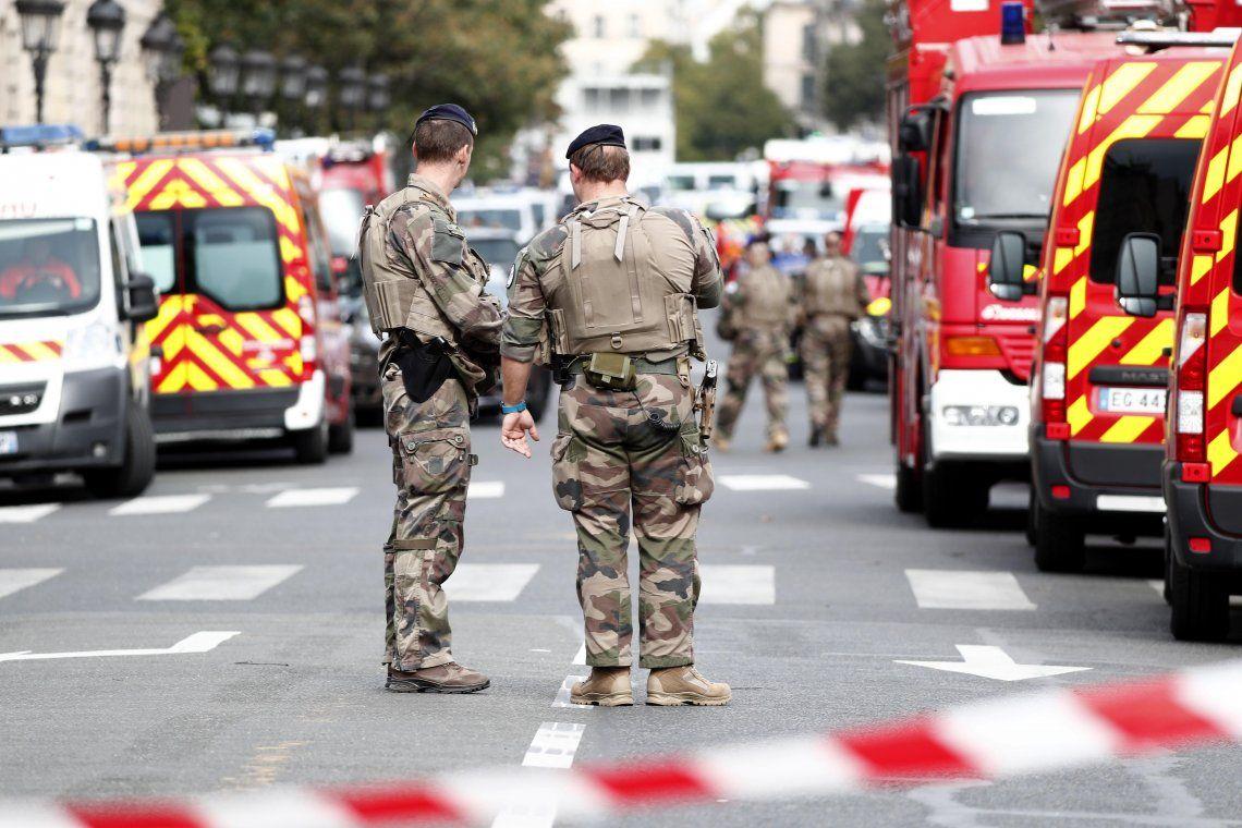 Ataque en Francia: un hombre asesinó a cuchillazos a cuatro oficiales en la sede central de la policía de París