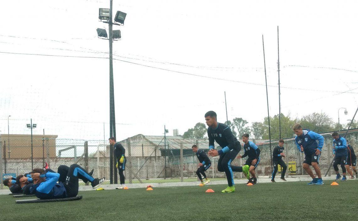 El Celeste realizará hoy su entrenamiento de fútbol para definir el equipo.