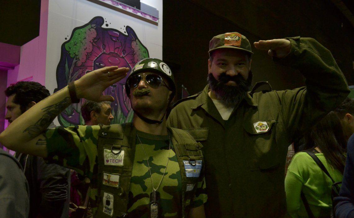 Personajes de la Expo Cannabis en La Rural - ph: Nadia Pizzulo.