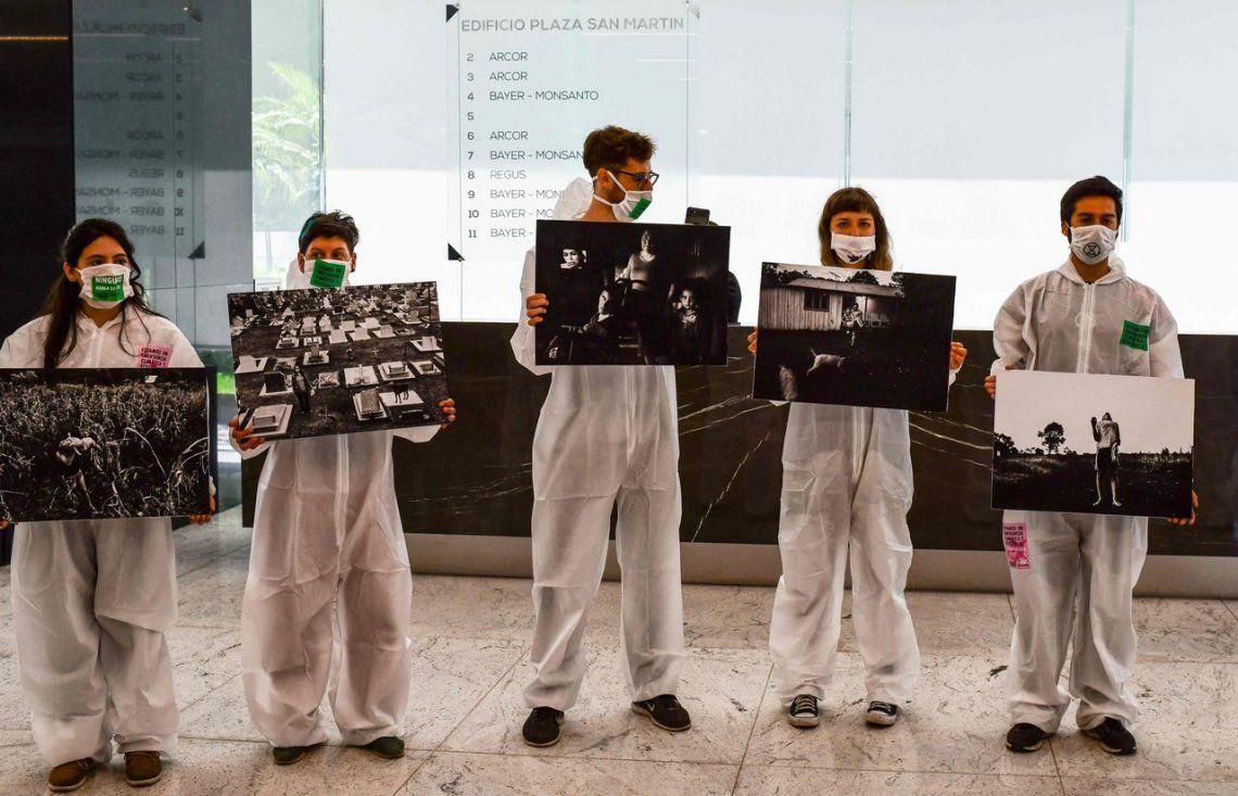 El grupo Extinction Rebellion realizó protestas contra el cambio climático en Retiro