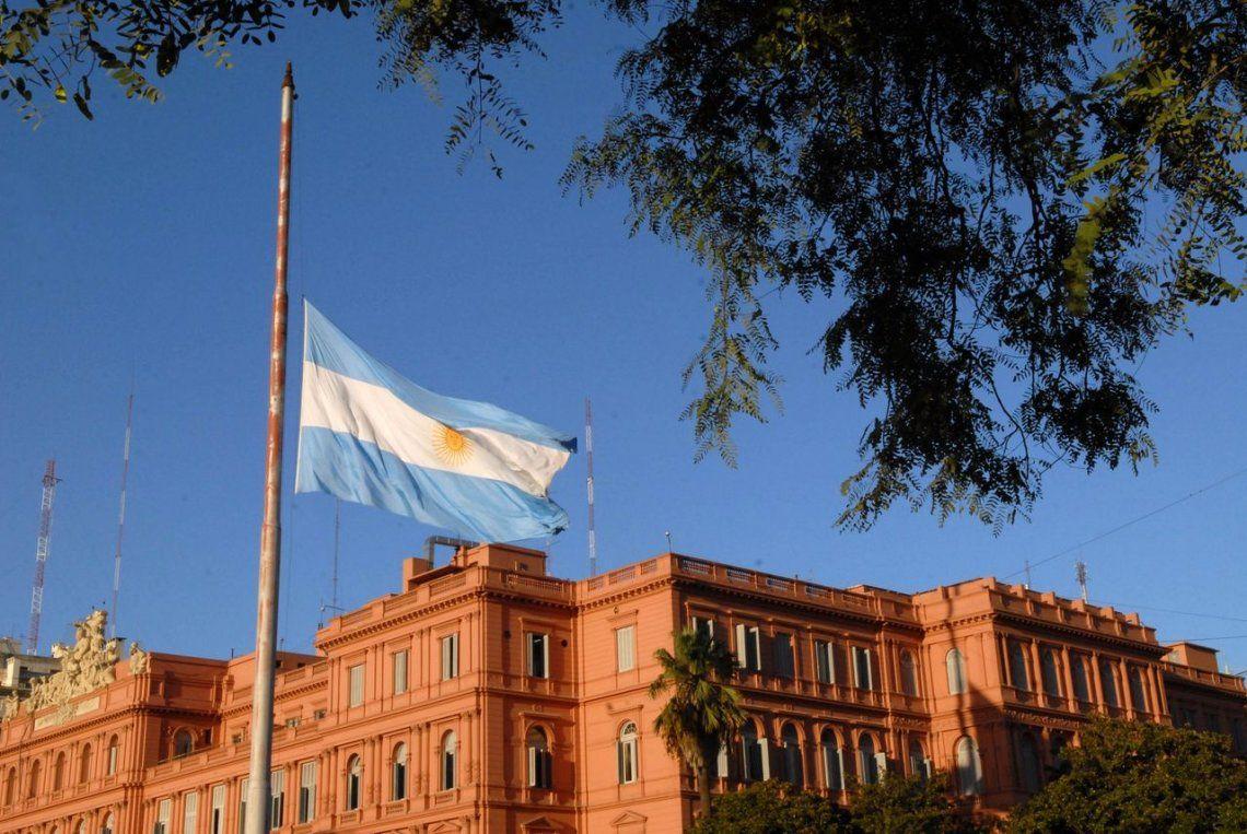 Economía y política argentina: un agujero negro que absorbe a la actividad productiva del país