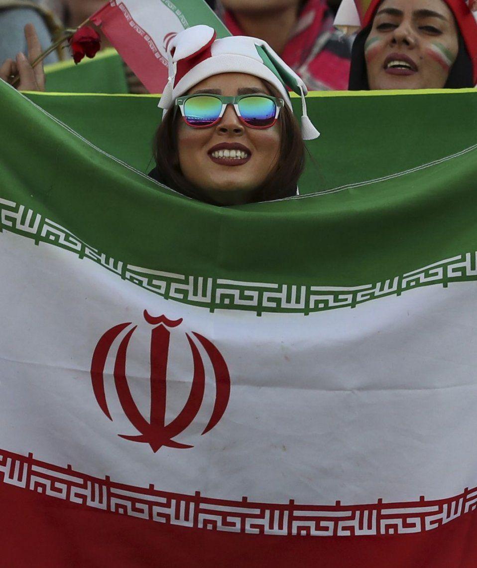 En fotos: 40 años después, las mujeres volvieron a las canchas en Irán