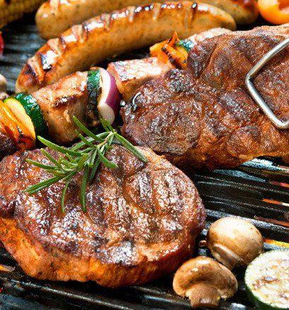 El menú distintivo hoy genera debates: económicos y alimenticios.