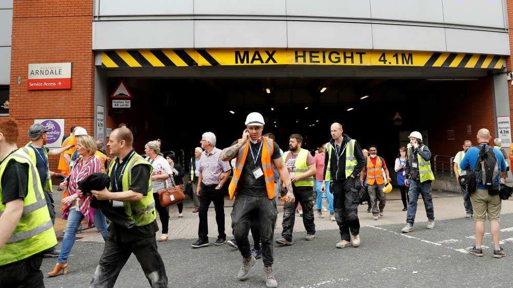 Manchester: apuñalan a cinco personas en un centro comercial