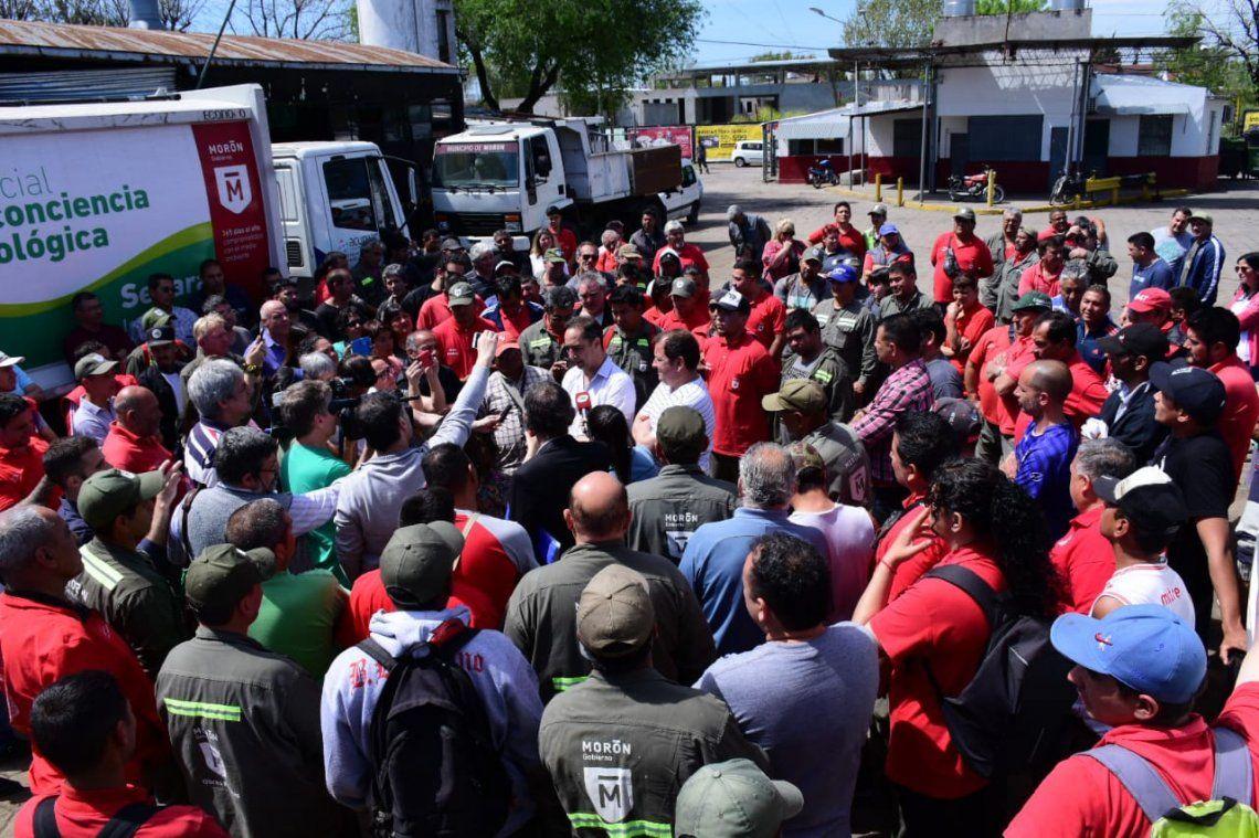 Morón: Tagliaferro otorgó un bono de 5 mil pesos y subió los sueldos un 11%