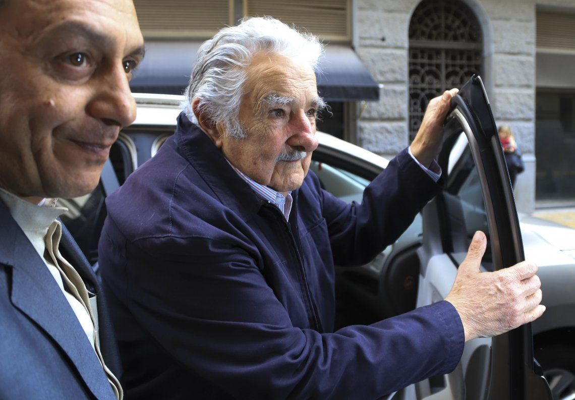 Mujica: En vez de traer 100 mil cagadores argentinos, preocupémonos de que los nuestros inviertan