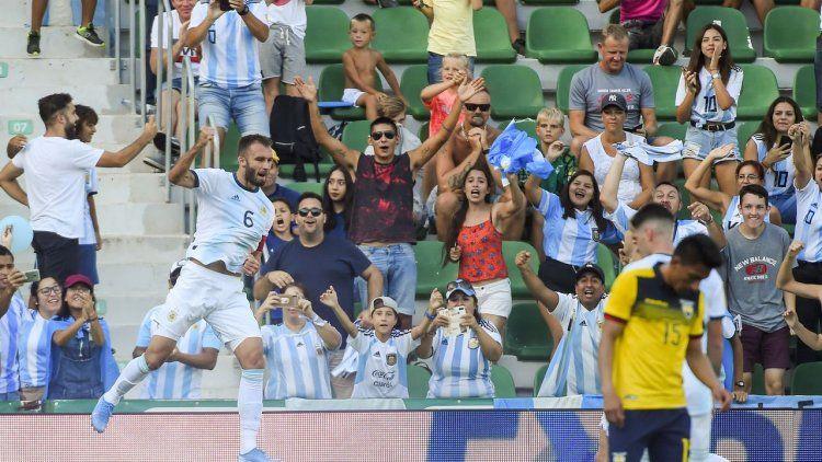 Argentina goleó a Ecuador y cerró la gira con una sonrisa