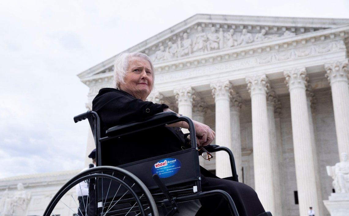 Aimee Stephens, la mujer trans que fue discriminada y despedida de su trabajo y que hoy lleva el primer caso histórico a la Corte Suprema de Justicia de EEUU